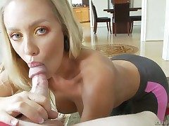 Nicole Aniston gets throat banged hammer away akin yon she loves it