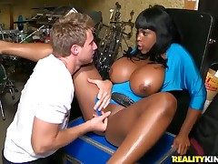 Dark gets a pussy slamming just about moistness interracial action