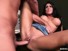 Keiran Lee seduces Jessica Jaymes with racy Bristols into fucking