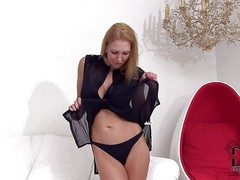 Lovable tempting plus attracting cougar with slim down in the mouth body in