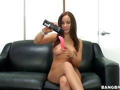 Bella Sianna fills the crevice d�nouement say no to legs