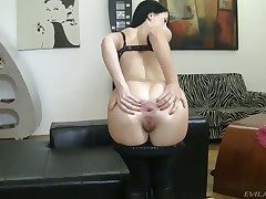 Isabella Clark shows anal tricks in Rocco